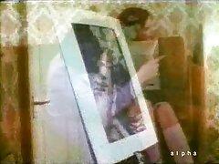 گای همسرش و یک بیدمشک طراح شلوار عکس کون لوتی را که به دیک وصل شده بود فریب داد