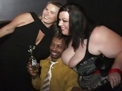 avluv سکسی بر روی یک dildo پاشیده می شود عکس سکسی لوتی