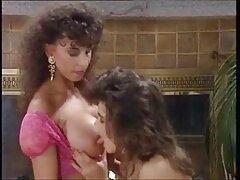 گای همسر جوان خود را با دهان چربی خود در دهان لگد می زند و انجمن سکسی کیر تو کس در همان زمان خلاء را بیدمشک می کند
