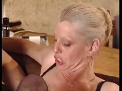 جوجه زرق و برق فیلم های سکسی سایت شهوانی دار از حمام بوداپست در حمام